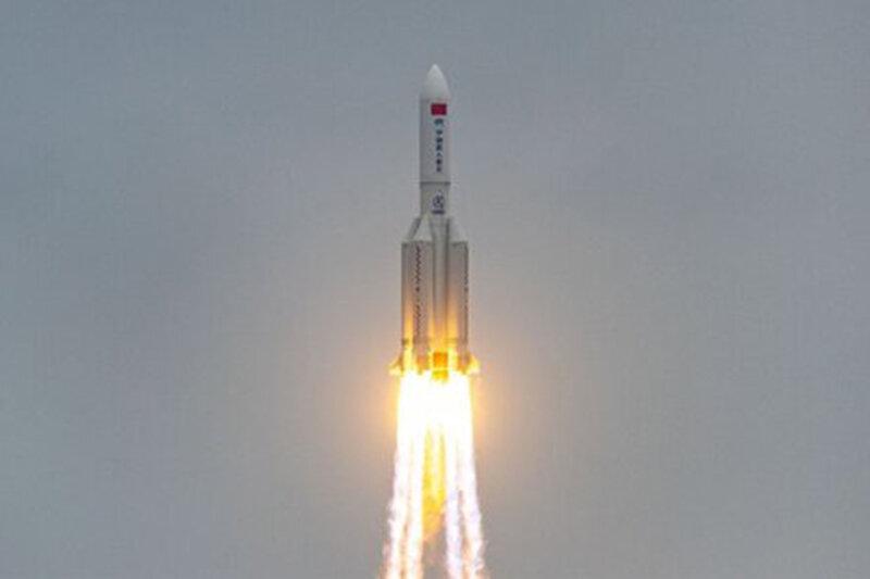 موشک چینی امروز یا فردا به زمین برخورد میکند
