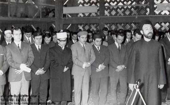 قاب تاریخ  از موشکباران تهران تا زردآلوی ۵۰تومنی