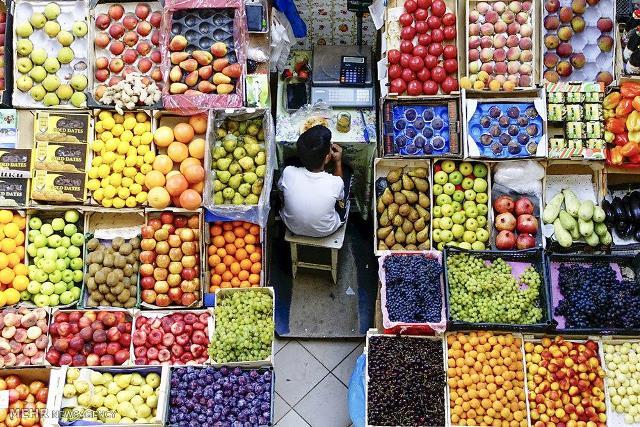 وضعیت بازار میوه در آستانه تابستان داغ