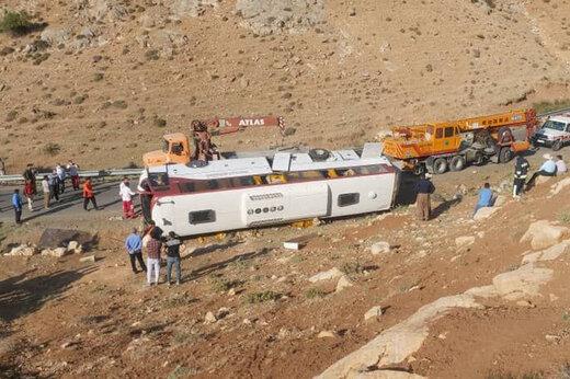 مقصر تصادف اتوبوسهای خبرنگاران و کارگران پیدا شد!