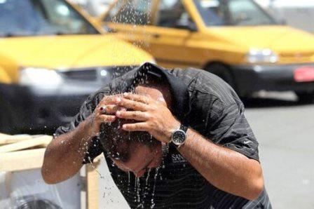 اسپری آب سرد برای فرار از گرمای جهنمی