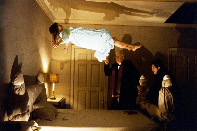 تجربه دیدن فیلم ترسناک؛ توی جلدمان جن رفت!