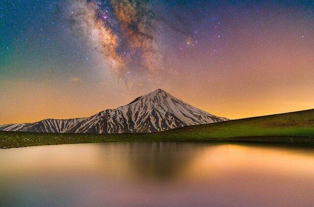 تصویری حیرتانگیز از کهکشان راهشیری بر فراز قله دماوند