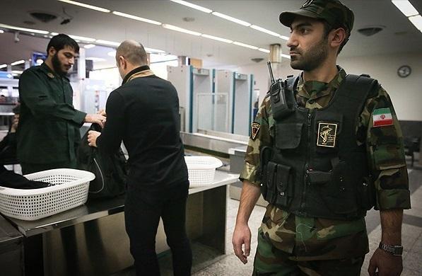 رفتارهای مشکوک وابسته نظامی هلند در فرودگاه امام