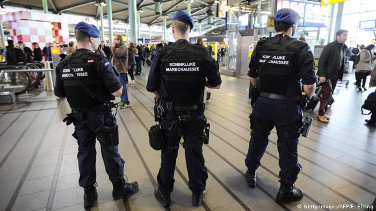 بازداشت یک زن ایرانی در فرودگاه بلژیک