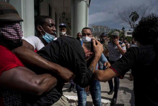 روند واکسیناسیون و فقر کوبا را به آشوب کشاند