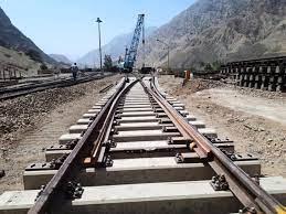 هشیاری پلیس تهران مانع فاجعه روی خط آهن شد