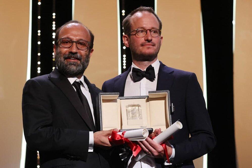 تصاویر لحظه اهدای «جایزه بزرگ» کن به اصغر فرهادی