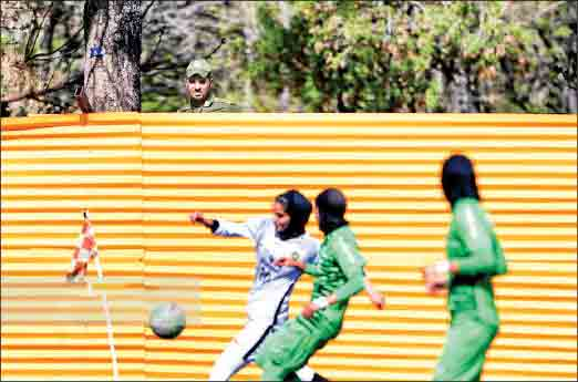 زنان فوتبالیست، سوژه عکس برتر سال شدند