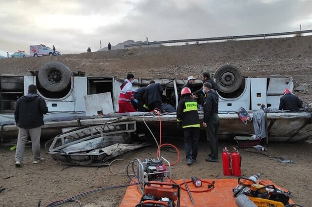 واژگونی اتوبوس در محور هراز با سه کشته و ۳۹ مصدوم
