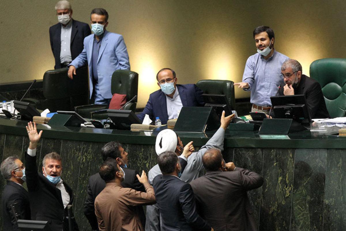 جلاییپور: مجلس انقلابی از ایجاد نارضایتی عمومی نمیترسد؟