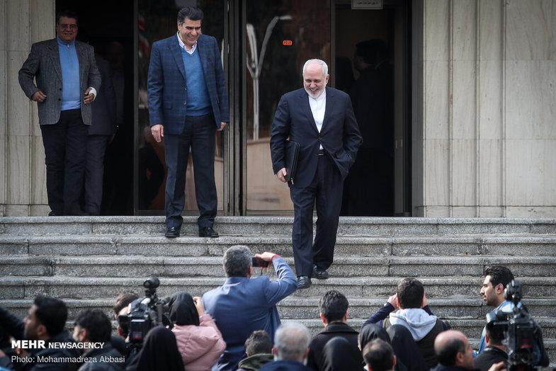 محمدجواد ظریف: دعوت شدهایم برای کابینه جدید دعا کنیم