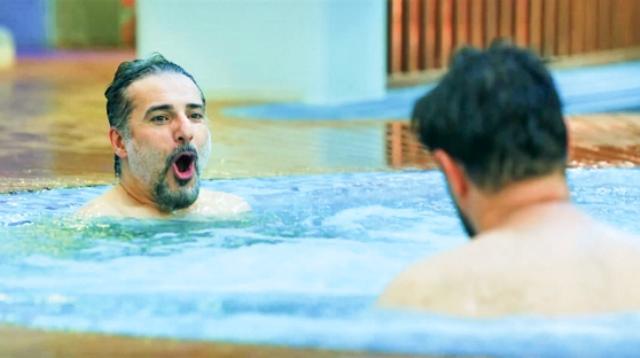 عجیب اما واقعی: شنای دردسرساز هاشمی