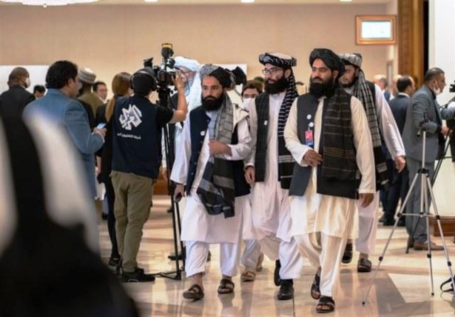 چرا برای پیروزی طالبان، در پاکستان شیرینی پخش میکنند؟
