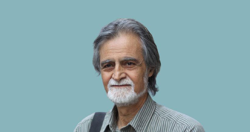 وضعیت منتقد و مترجم نامآشنای ایرانی در بیمارستان پراگ