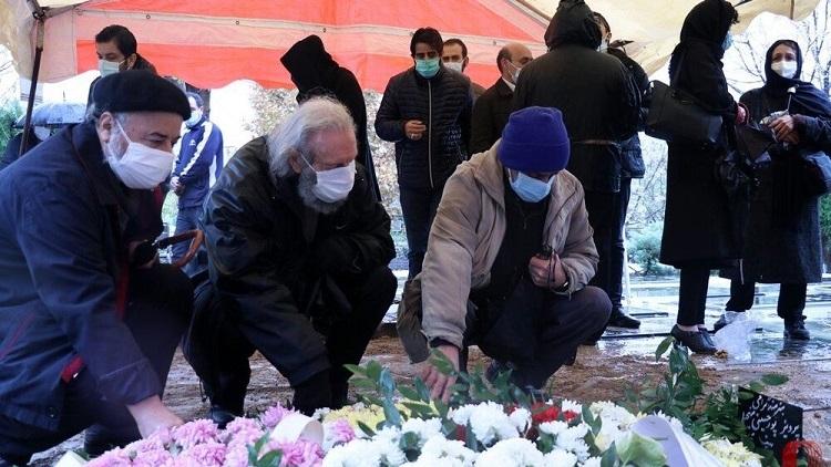 ۳۶ درصد شرکت کنندگان در مراسم تدفین کرونا میگیرند
