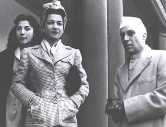 قاب تاریخ| اشرف و فاطمه، شیخ جامی و حزب دموکرات