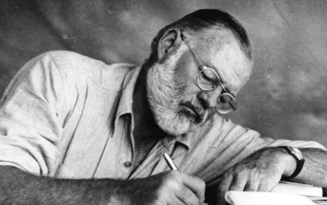 ۱۰نویسنده مشهور دنیا که درگیر بیماریهای حاد بودند