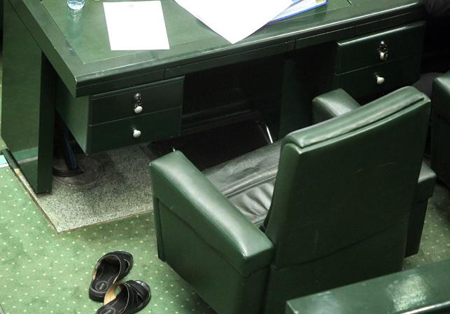 جواب چهار صندلی خالی مجلس را چهکسی میدهد؟