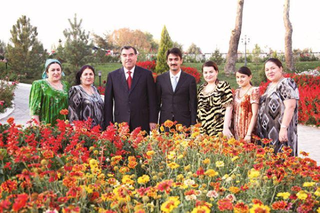 رئیسجمهور تاجیکستان چگونه کشورش را به سرخط خبرها آورد