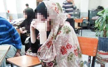 قتل پدر توسط دختر برسر گوشی موبایل!