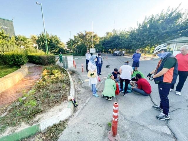 جزئیات تصادف خودرو با یک دونده در پارک پردیسان