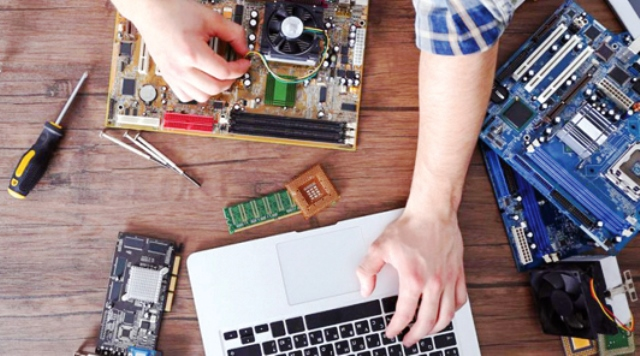 گزارشی درباره هزینههای تعمیرات لپتاپ و قیمت انواع قطعه 