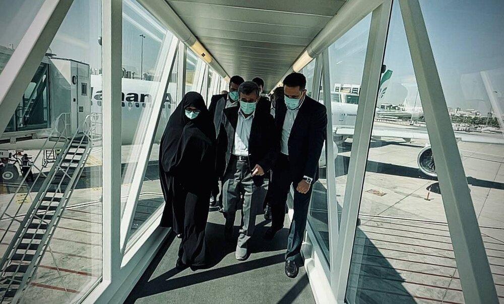 انتشار عکسی از احمدی نژاد و همسرش در سفر دبی